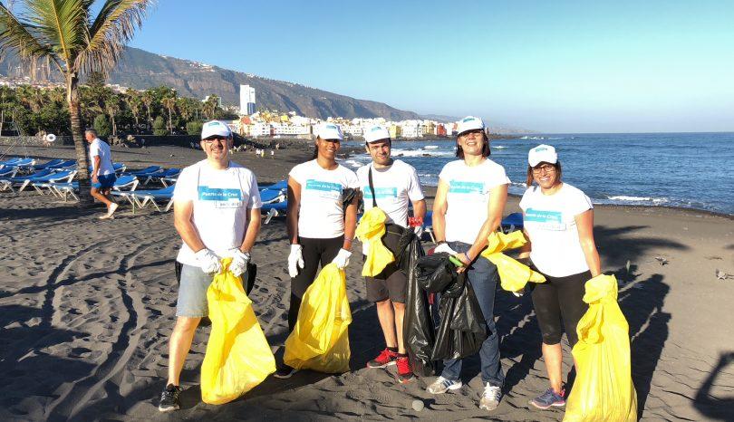 Aportando nuestro granito de arena:  Limpieza de Playa Jardín